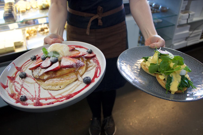 Pancakes & Eggs Florentine